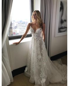 Popular Straps A-line Wedding Dress,White Long Applique and Lace Beach Wedding Dress with Court Train.My email: dressmeety@gmail.com you can put down your size or date requirement in the note box when you check out