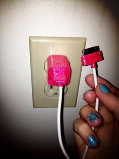 DIY: Glitter Phone Charger (:
