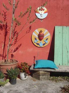um dia de sol no pátio, em 2009 - oratórios Divino e Sagrado Coração