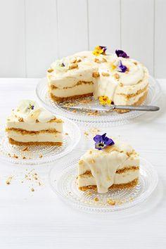 Näin valmistuu herkullinen limoncello-juustokakku. Limoncello, Pancakes, Recipies, Cheesecake, Baking, Breakfast, Ethnic Recipes, Finland, God
