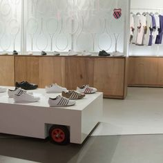 K-Swiss pop-up store by UXUS Design - Dezeen