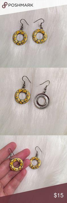 Beautiful earrings💕 Price is firm unless bundled! Jewelry Earrings