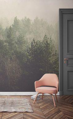 Daydream via che si affaccia queste cime degli alberi in modo bello croccante. Questa carta da parati murales foresta riunisce i verdi delicati con morbide tonalit� peachy. � perfetto per moderni spazi di vita alla ricerca di un modo diverso di vestire le