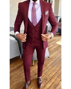 buy online 577b1 193bb Burgundy Peak Lapel Wedding Tuxedo for Men Groom 2019 Three Pieces(jacket +pants+vest)