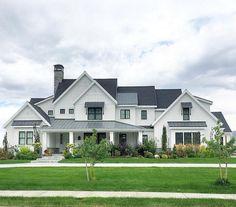Gorgeous 85 Modern Farmhouse Exterior Design Ideas homstuff.com/...