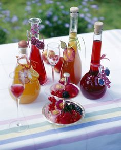 Various homemade fruit liqueur bottles with fruits on table , Fruit Drinks, Wine Drinks, Cocktail Drinks, Alcoholic Drinks, Cocktails, Glace Fruit, Cooking Time, Cooking Recipes, Homemade Liquor