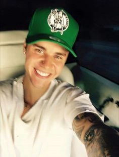 Justin Bieber Reveals He s  Taking A Break  In Super Happy Selfie — Pic 5751e1647e2