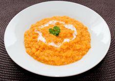 Vöröslencse főzelék | Alajuli receptje - Cookpad receptek Hummus, Risotto, Plant Based, Side Dishes, Goodies, Food And Drink, Favorite Recipes, Lunch, Healthy Recipes