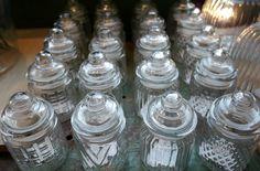 Glazen voorraadpotten, in alle soorten en maten! Kleine, grote, vierkanten en ronde. Leukleuk! Allemaal bij #venten #amsterdam #ceintuurbaan #clayreandeef #voorraadpot #zomerinjebol #glas