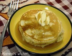 Mommy's Kitchen - Recipes From my Texas Kitchen: Perfect Buttermilk Pancakes. This is the best fluffy pancake recipe according to my family! These thick and fluffy pancakes come out perfect every time. Breakfast Dishes, Breakfast Recipes, Breakfast Ideas, Breakfast Pancakes, Buttermilk Recipes, Buttermilk Pancakes, Fluffy Pancakes, Homemade Pancakes, Perfect Pancake Recipe