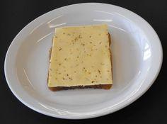 Boterham met boter en komijnenkaas
