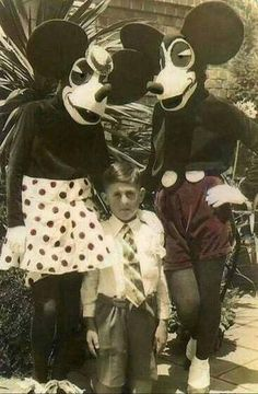 Funny pictures about Apparently Disney Used To Be A Scary Place. Oh, and cool pics about Apparently Disney Used To Be A Scary Place. Also, Apparently Disney Used To Be A Scary Place photos. Horror Disney, Disney Pixar, Walt Disney, Creepy Disney, Disney Decals, Funny Disney, Disney Parks, Disney Characters, Mickey Mouse
