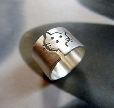 Cat ring, Sterling silver ring, wide band ring, metalwork jewelry