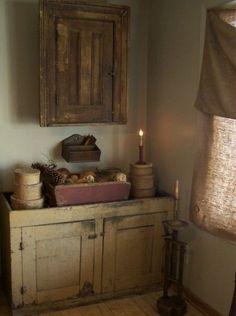 country primitive home decor used Primitive Homes, Primitive Antiques, Primitive Crafts, Country Primitive, Country Farmhouse, Farmhouse Decor, Primitive Fall, Primitive Snowmen, Vintage Farmhouse