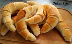 Bez čakania na vykysnutie: Domáce rožteky raz-dva-tri! Pastry Recipes, Bread Recipes, Cooking Recipes, Good Food, Yummy Food, Czech Recipes, Hungarian Recipes, Hungarian Bread Recipe, Bread And Pastries