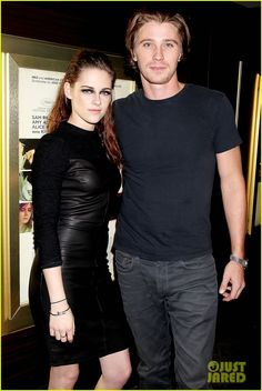 Kristen Stewart & Garrett Hedlund: 'On the Road' NYC Screening!: Photo Kristen Stewart and her co-star Garrett Hedlund attend a screening of their film On the Road on Thursday (November at the Dolby 88 Screening Room in New York… Garrett Hedlund, Just Jared Jr, Beautiful Mask, 22 Years Old, Dove Cameron, Event Photos, Robert Pattinson, Kristen Stewart, Beautiful Celebrities