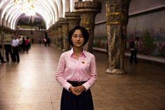 사진가 미하엘라 노로크는 전 세계 모든 국가의 여성을 촬영해서 다양한 아름다움을 기록하는 작업을 하고 있다. 지난달에 이 프로젝트의 일환으로