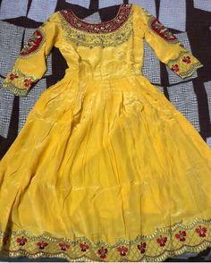 Designer Blouse Patterns, Blouse Designs, Haldi Function, Function Dresses, Machine Embroidery Designs, Beauty, Beauty Illustration, Machine Embroidery