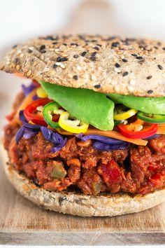 El Sloopy Joes es una especie de sandwich típico de Estados Unidos y esta versión vegana es una de las recetas más ricas que he probado en mi vida.