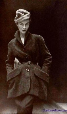 50s fashion, the coat is gorgeous! :)