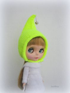 Knitted hat for Blythe made with love. Exclusive special for your doll. Include: 1 Hat.  Doll, dress, accessories and shoes is not on the sale.    At