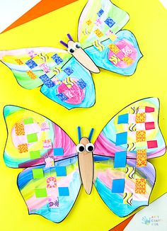Our beutiful Woven Paper Butterfly Craft for kids is the perfect activity for developing and improving fine motor skills. With a free template included, its a great little craft to do with kids all ages this Summer. Summer Crafts For Kids, Spring Crafts, Diy For Kids, Paper Butterfly Crafts, Paper Butterflies, Craft Activities, Preschool Crafts, 1st Grade Crafts, Rustic Frames