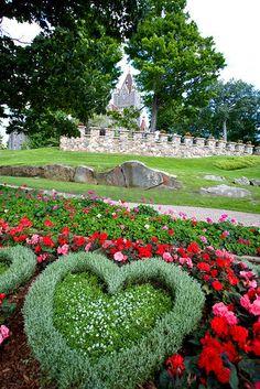 Boldt Castle Gardens