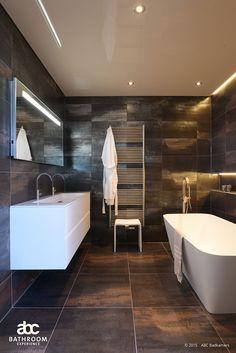 Inspiratie   ABC Badkamers Deventer, Sanitair en tegels Bathroom Inspo, Bathroom Interior, Family Bathroom, Master Bathroom, White Herringbone Tile, New Homes, Interior Design, Home Decor, Pure White