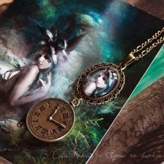 "Collier cabochon ""Mistress of Time"""