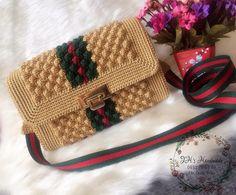 Crotchet Bags, Knitted Bags, Crochet Pouch, Diy Crochet, Crochet Bag Tutorials, Macrame Bag, Diy Purse, Craft Bags, Crochet Shoes