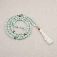 Perles en amazonite 108 collier Mala par GoldenLotusMala sur Etsy