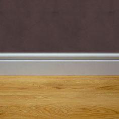 Battiscopa in legno bianco