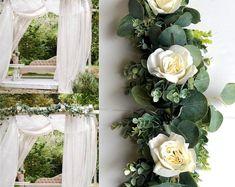 BellasBloomStudio Greenery Centerpiece, Floral Centerpieces, Wedding Centerpieces, Wedding Arch Rustic, Garland Wedding, Wedding Backdrops, Wedding Name Cards, Card Table Wedding, Floral Wedding