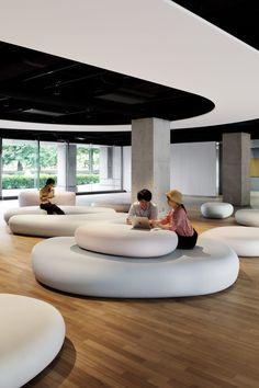 Zero Space by Igarashi Design Studio at Musashino Art University Student Lounge, Office Lounge, Home Office, Lounge Design, Cafe Design, Design Plaza, Public Space Design, Public Spaces, Hospital Design