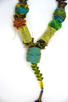 handgefertigte Textile Jewlery .fabric von ornadesign auf Etsy