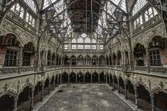 Abandoned chamber of Commerce in Belgium