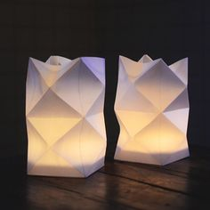 Make your own Waldorf Paper Lantern. Tutorial with pictures. (in Swedish)