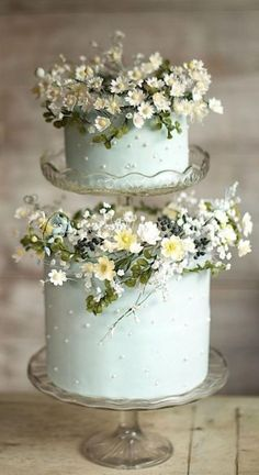 35 Excellent Dreamy Secret Garden Wedding Ideas with Invitations--rustic mint wedding cake with wildflowers, diy wedding food garden wedding cake 35 Excellent Dreamy Secret Garden Wedding Ideas with Invitations Uk Wedding Cakes, Halloween Wedding Cakes, Wedding Cake Fresh Flowers, Creative Wedding Cakes, Beautiful Wedding Cakes, Gorgeous Cakes, Wedding Cake Designs, Pretty Cakes, Wedding Cake Toppers