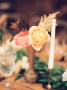 Wedding setting flowers by A Native Bloom at Sunriver Resort, photo Marina Koslow