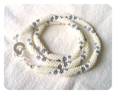 Bead Crochet Necklace in white with Forget-me-not
