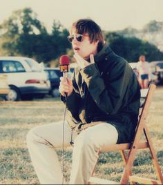 1995 by For Oasis Gene Gallagher, Lennon Gallagher, Liam Gallagher Oasis, Chris Evans, Great Bands, Cool Bands, Liam Oasis, Oasis Band, Britpop