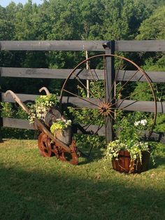 Dekoration decorations DIY Garden Kind Original SUMMERWhat kind of original DIY decorations we can make this summer in the garden Garden Junk, Garden Yard Ideas, Garden Cottage, Lawn And Garden, Garden Projects, Garden Art, Garden Design, Garden Fencing, Garden Table
