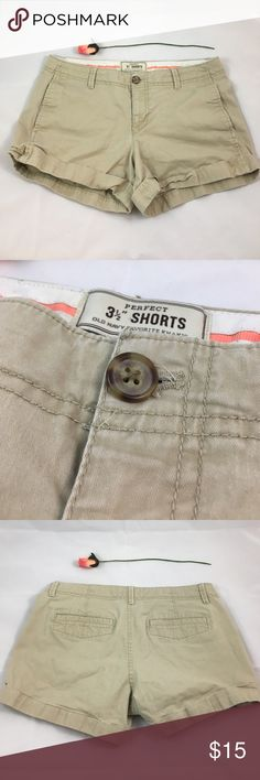 """Khaki Perfect 3 1/2"""" Shorts Old Navy This pair of old navy khaki shorts are very comfy and was worn a couple of times. There are minor signs of wear mainly in button hole area, but it's not noticeable when worn and they are in overall excellent condition. They are Size 6 and true to size. Old Navy Shorts"""