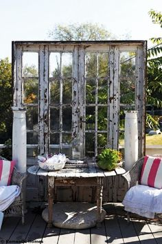 32 Ingenious and Cool Ideas of How To Reurpose Old Doors