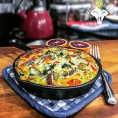 #Breakfast was bangin! Before you toss out those leftovers from your meal prep, consider adding them to a frittata to make a healthy and hearty meal. Plus, it's delicious! Here the leftovers I used: 3oz chicken breast, 5oz red potatoes, 1/2 cup spinach, 1/3 cup bell peppers and 2 tbsp reduced fat mozzarella. I used 1 egg & 3 egg whites to make the frittata. Only 420 calories with over 50g protein, 30g carbs, 10g fat and 3g fiber. Check out FitMenCook.com for the full quick recipe. Try this…