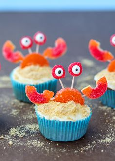 Beach Crab Cupcakes have the cutest crab toppers made with your favorite gummy candies! Crab Cupcakes, Beach Cupcakes, Summer Cupcakes, Kid Cupcakes, Creative Cakes, Creative Food, Cupcake Recipes, Dessert Recipes, Beach Dessert
