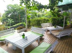 """Top 10 Restaurants in Manuel Antonio 