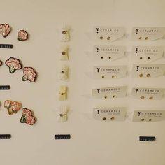 #햇빛쨍쨍  . . #YCeramics #DDP #모던마켓플레이스 #가정의달 #프로모션 #저번주 #디스플레이 #샷 #도자 #쥬얼리 #꽃 #브로치 #반지 #귀걸이 #ceramics #jewelry #accessories #flower #brooch #ring #earrings #Modernmarketplace Calendar, Photo Wall, Ceramics, Photo And Video, Holiday Decor, Frame, Instagram, Ceramica, Picture Frame