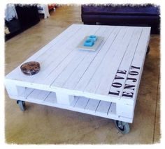 Diy home decor Wooden Pallet Projects, Wooden Pallet Furniture, Wooden Pallets, Diy Furniture, Pallet Ideas, Palette Diy, Diy Couch, Diy Casa, Diy Coffee Table