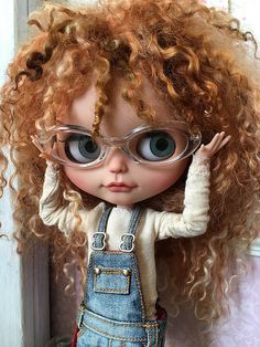 Do you like my new glasses? Ooak Dolls, Blythe Dolls, Girl Dolls, Barbie Dolls, Pretty Dolls, Beautiful Dolls, Kawaii Doll, Doll Repaint, Little Doll